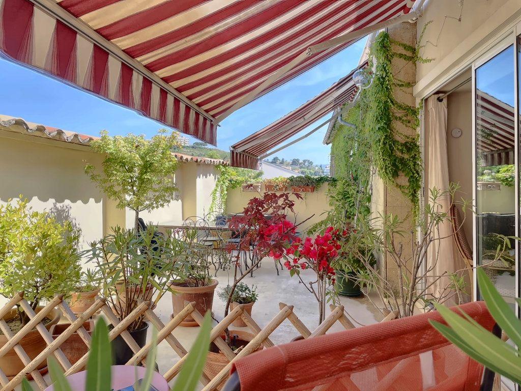 Maison à vendre 4 118.25m2 à Marseille 7 vignette-1