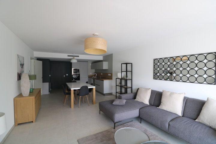Appartement à louer 3 73.58m2 à Marseille 12 vignette-2