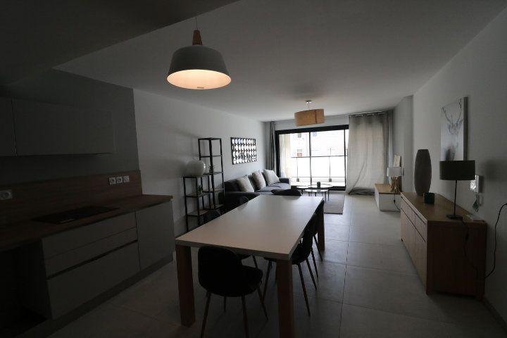 Appartement à louer 3 73.58m2 à Marseille 12 vignette-7