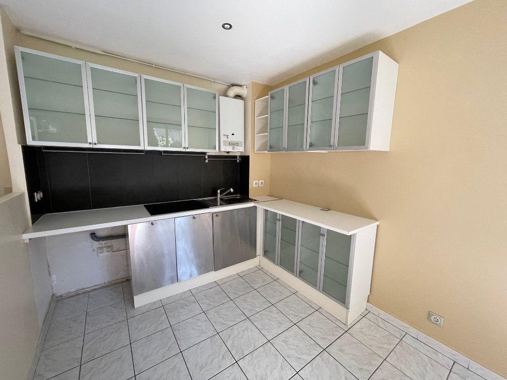 Appartement à louer 1 29.14m2 à Marseille 8 vignette-3