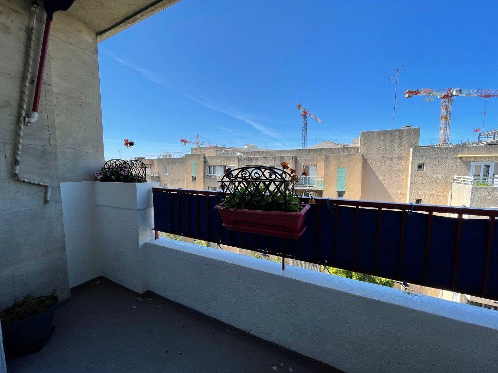 Appartement à louer 3 60m2 à Marseille 8 vignette-5