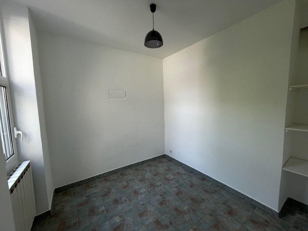 Appartement à louer 2 27m2 à Marseille 10 vignette-5