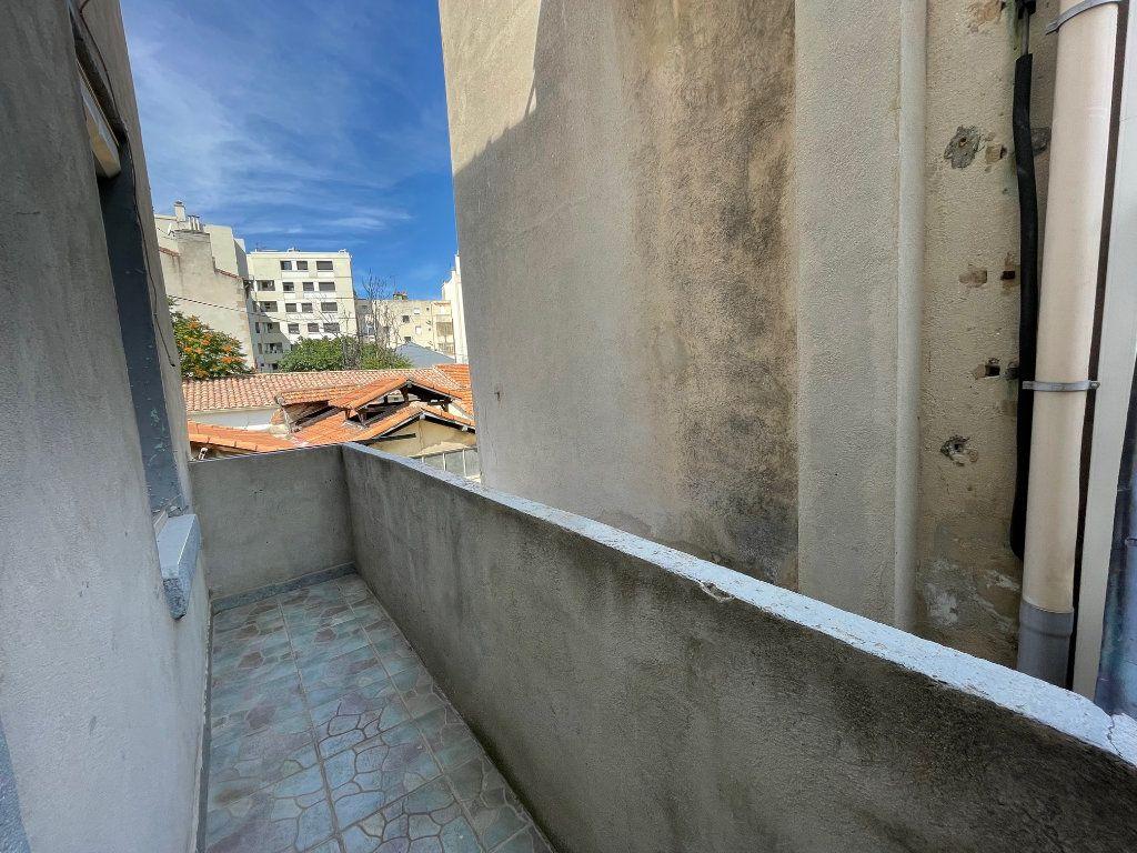 Appartement à louer 2 27m2 à Marseille 10 vignette-6