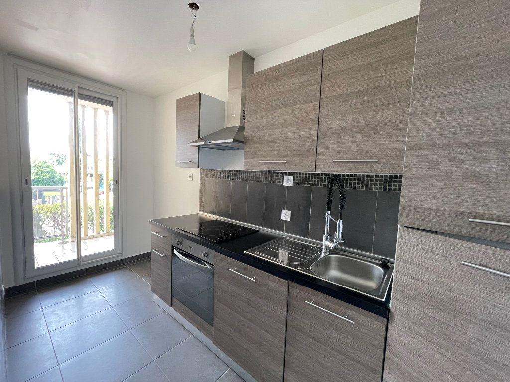 Appartement à louer 2 46.07m2 à Marseille 10 vignette-1