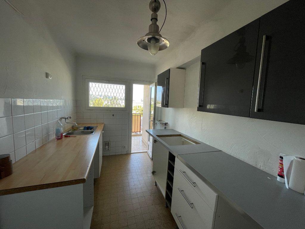 Appartement à louer 3 71.51m2 à Marseille 8 vignette-4