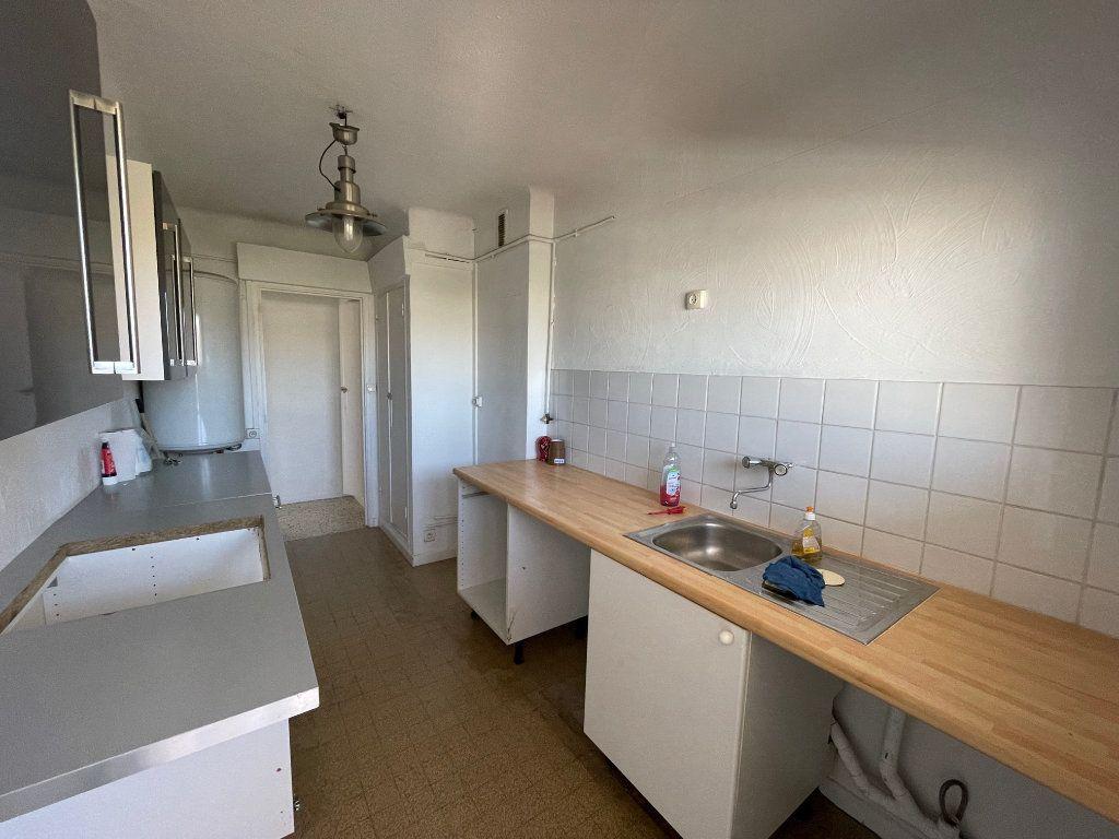 Appartement à louer 3 71.51m2 à Marseille 8 vignette-5