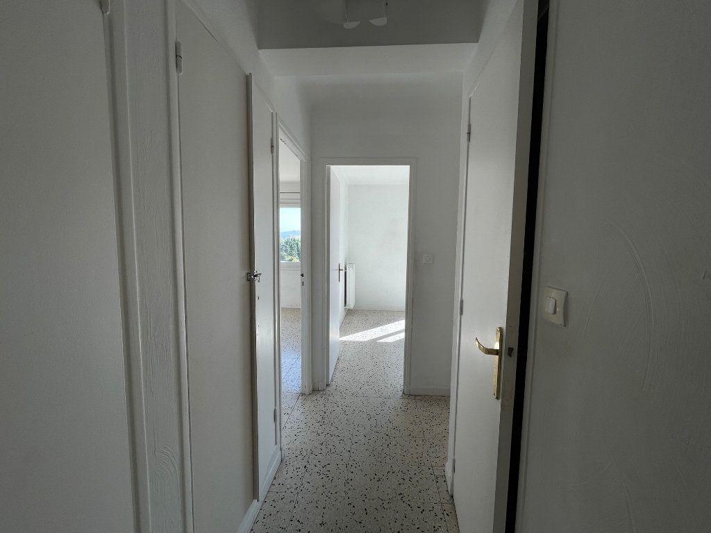 Appartement à louer 3 71.51m2 à Marseille 8 vignette-7