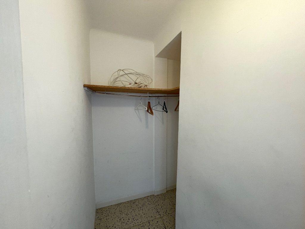Appartement à louer 3 71.51m2 à Marseille 8 vignette-8