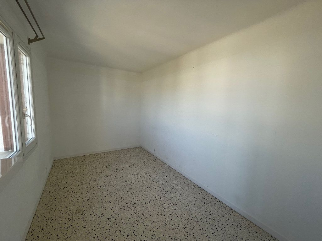 Appartement à louer 3 71.51m2 à Marseille 8 vignette-11