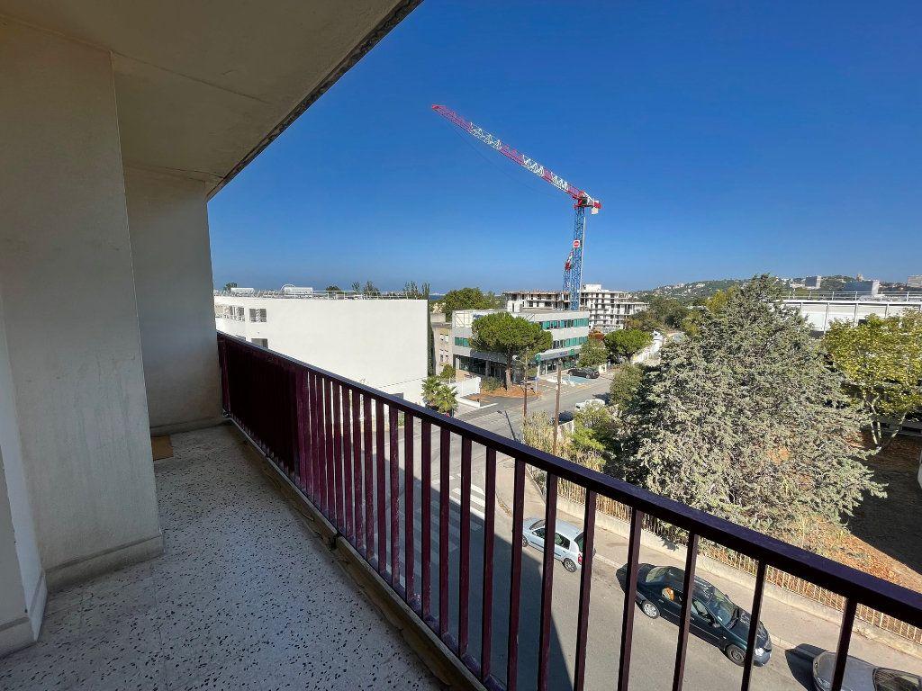Appartement à louer 3 71.51m2 à Marseille 8 vignette-12