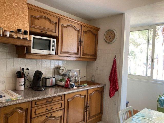 Appartement à vendre 3 62m2 à Marseille 8 vignette-2