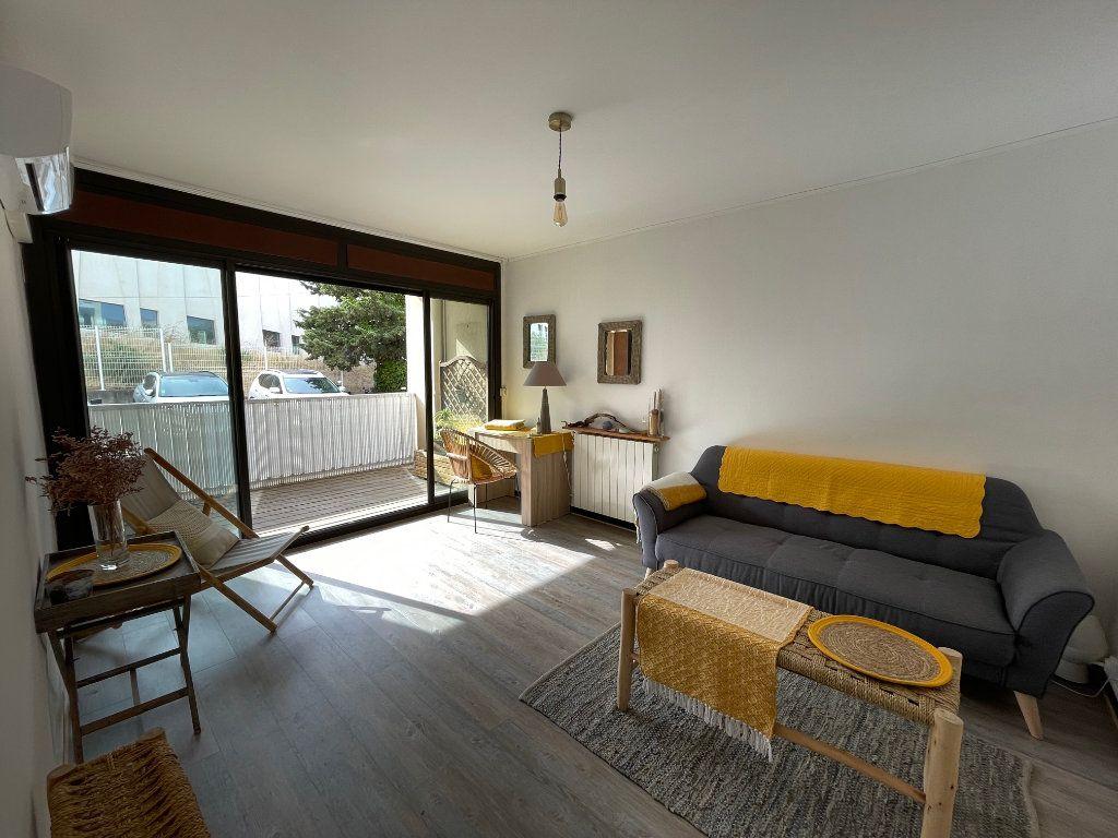 Appartement à louer 2 45.55m2 à Marseille 8 vignette-2