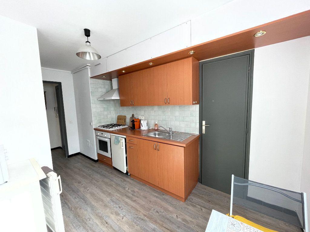 Appartement à louer 2 45.55m2 à Marseille 8 vignette-6