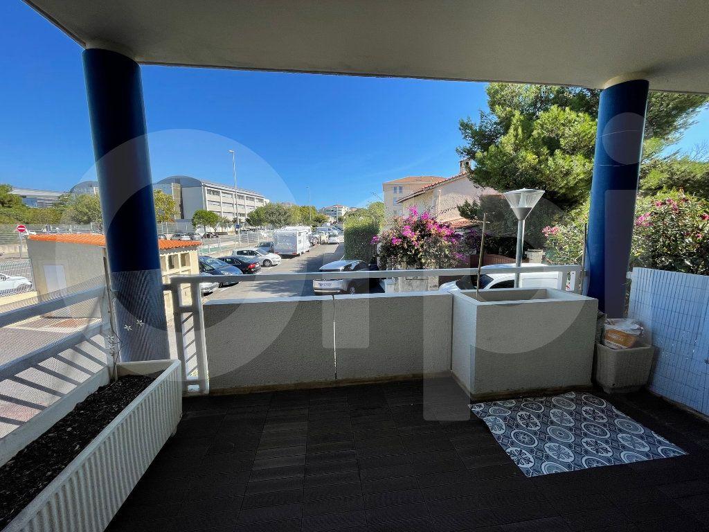 Appartement à louer 3 82.39m2 à Marseille 8 vignette-3