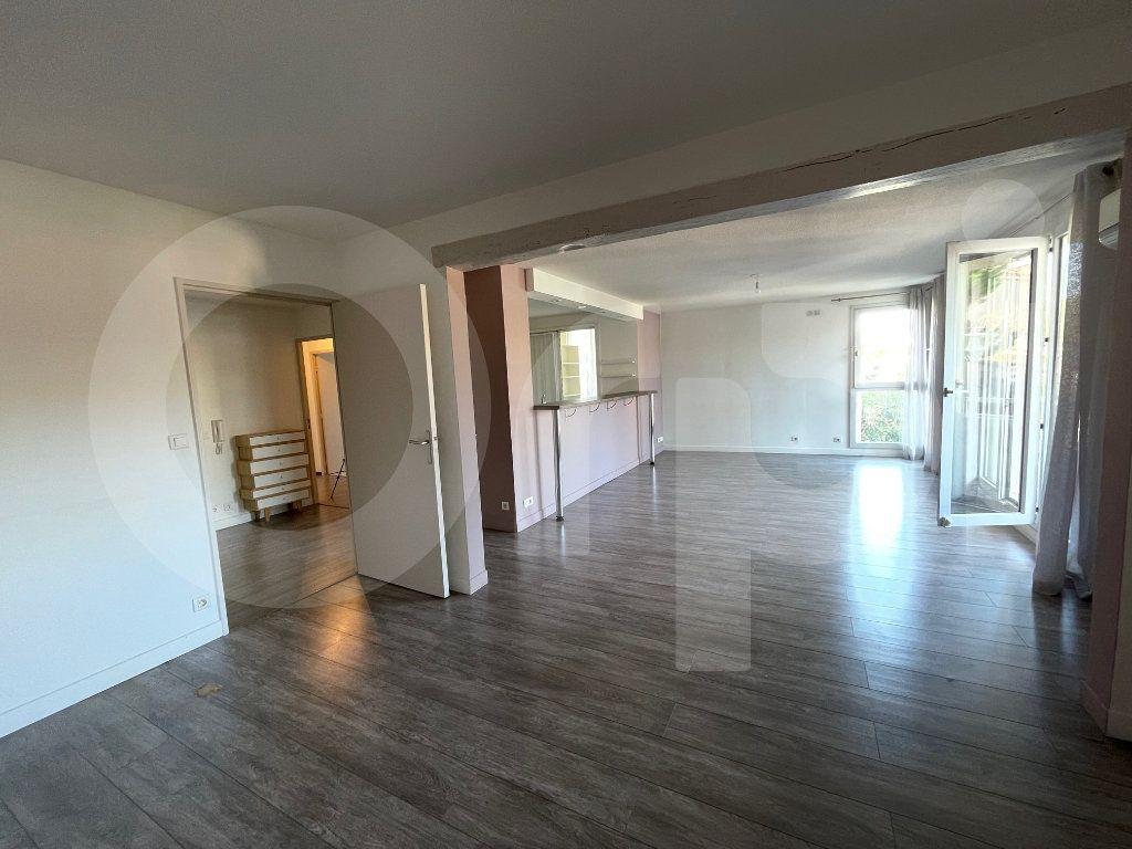 Appartement à louer 3 82.39m2 à Marseille 8 vignette-6