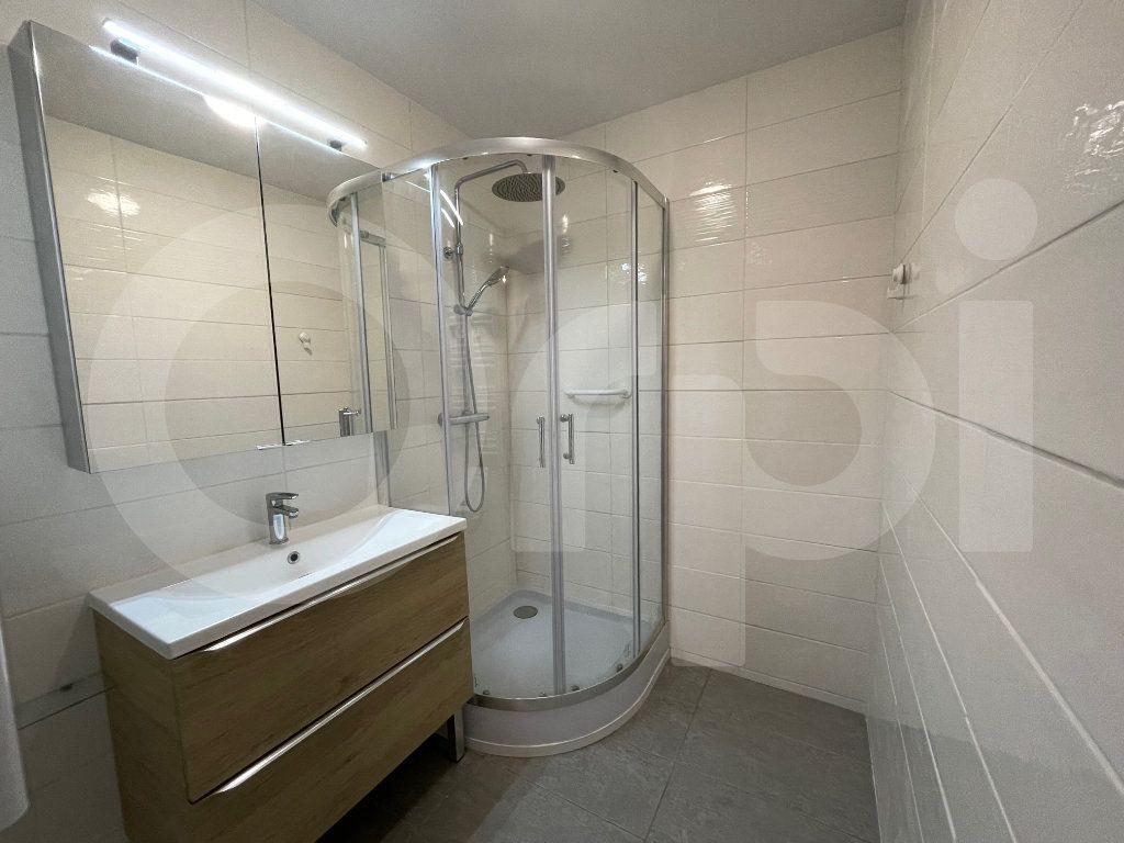 Appartement à louer 3 82.39m2 à Marseille 8 vignette-7