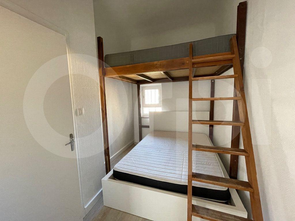Appartement à louer 2 38m2 à Marseille 6 vignette-6