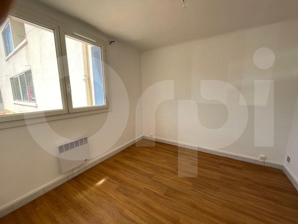 Appartement à louer 2 38m2 à Marseille 8 vignette-6