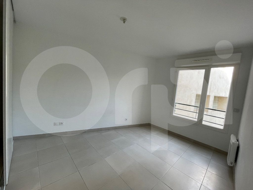 Appartement à louer 3 60.27m2 à Marseille 8 vignette-7