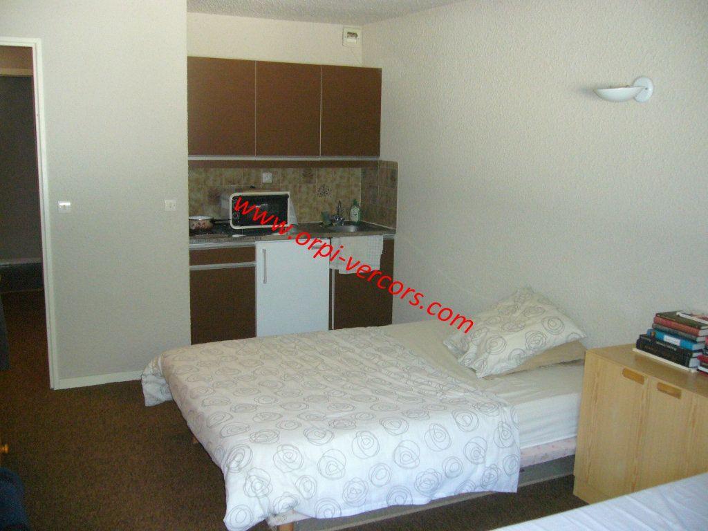 Appartement à vendre 1 23.5m2 à Corrençon-en-Vercors vignette-1