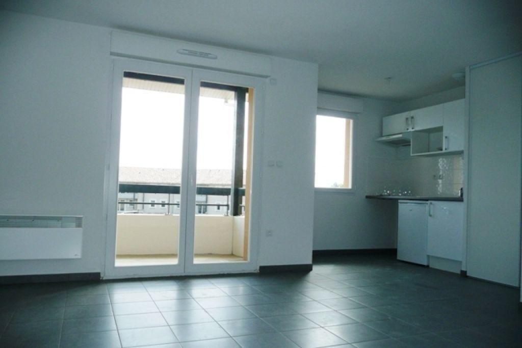 Appartement à louer 2 44.1m2 à Daux vignette-2