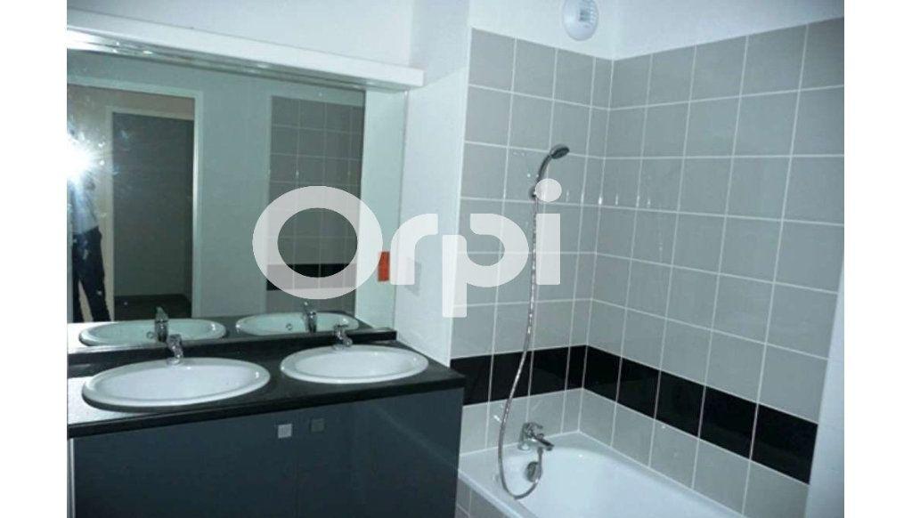 Appartement à louer 3 64.26m2 à Daux vignette-4