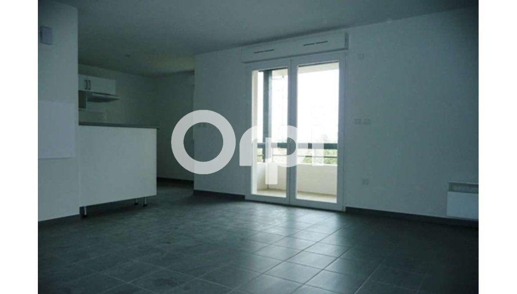 Appartement à louer 3 64.26m2 à Daux vignette-6