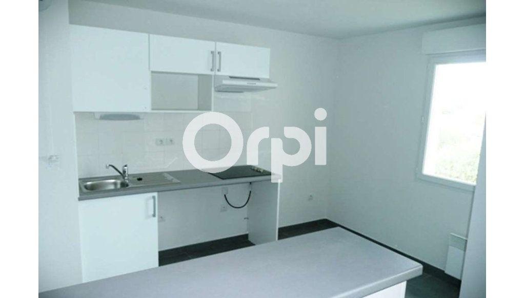 Appartement à louer 3 64.26m2 à Daux vignette-7