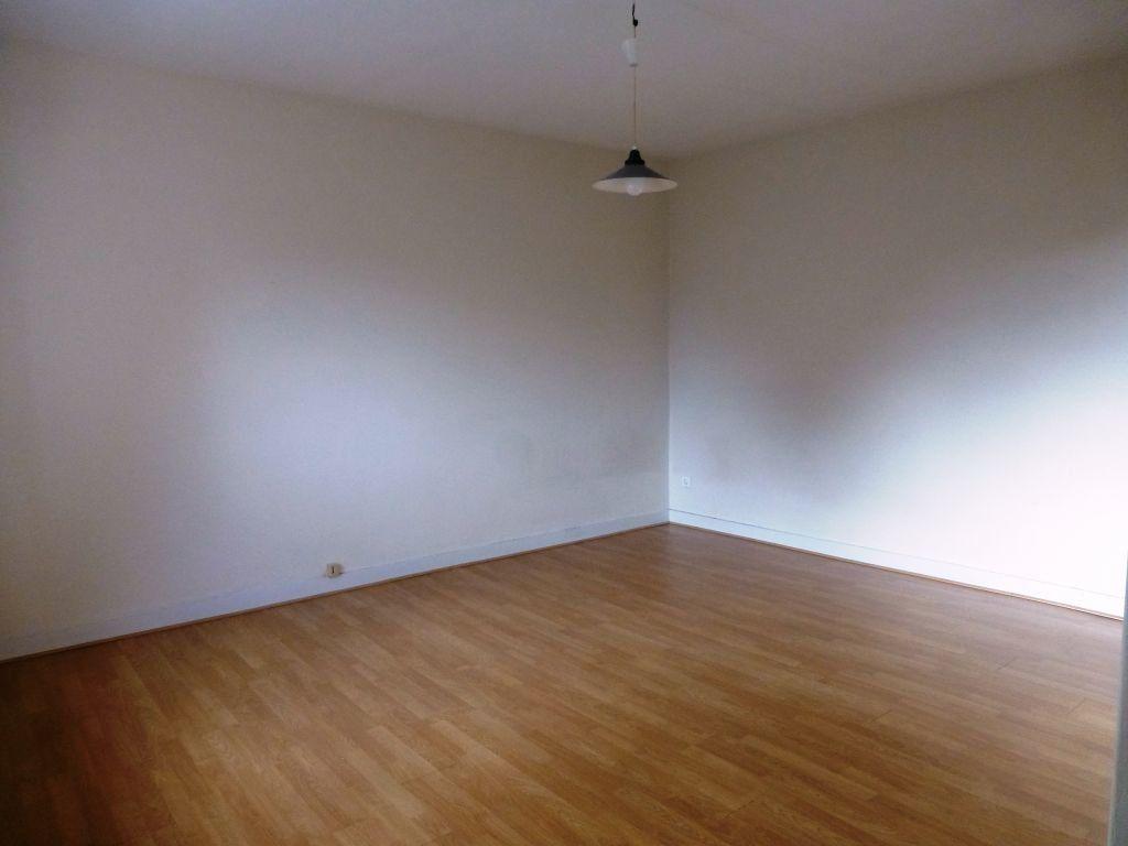 Appartement à louer 1 21m2 à Orléans vignette-2