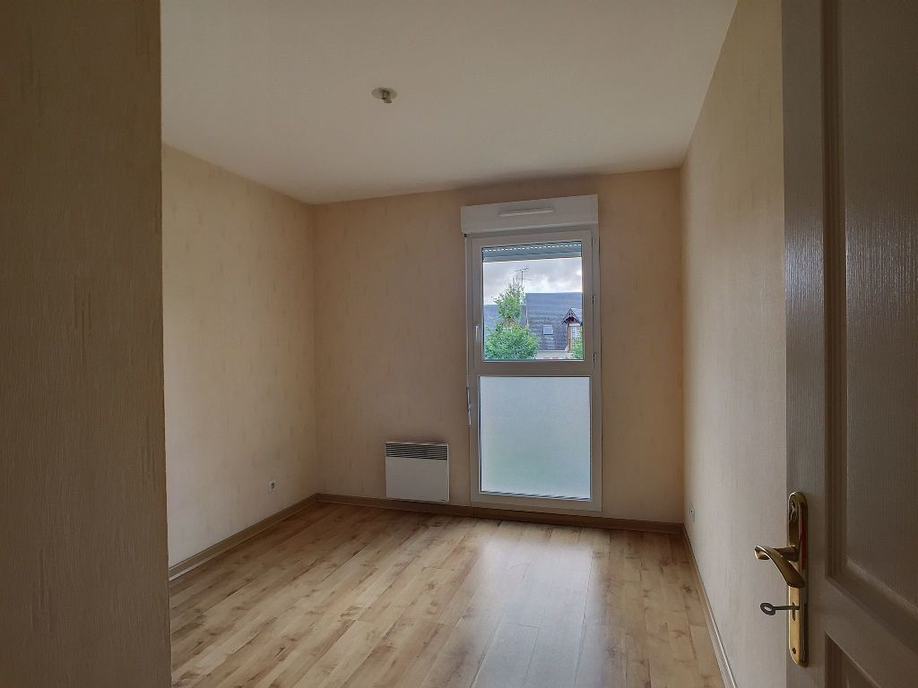 Appartement à louer 2 48.68m2 à Saint-Jean-de-la-Ruelle vignette-2