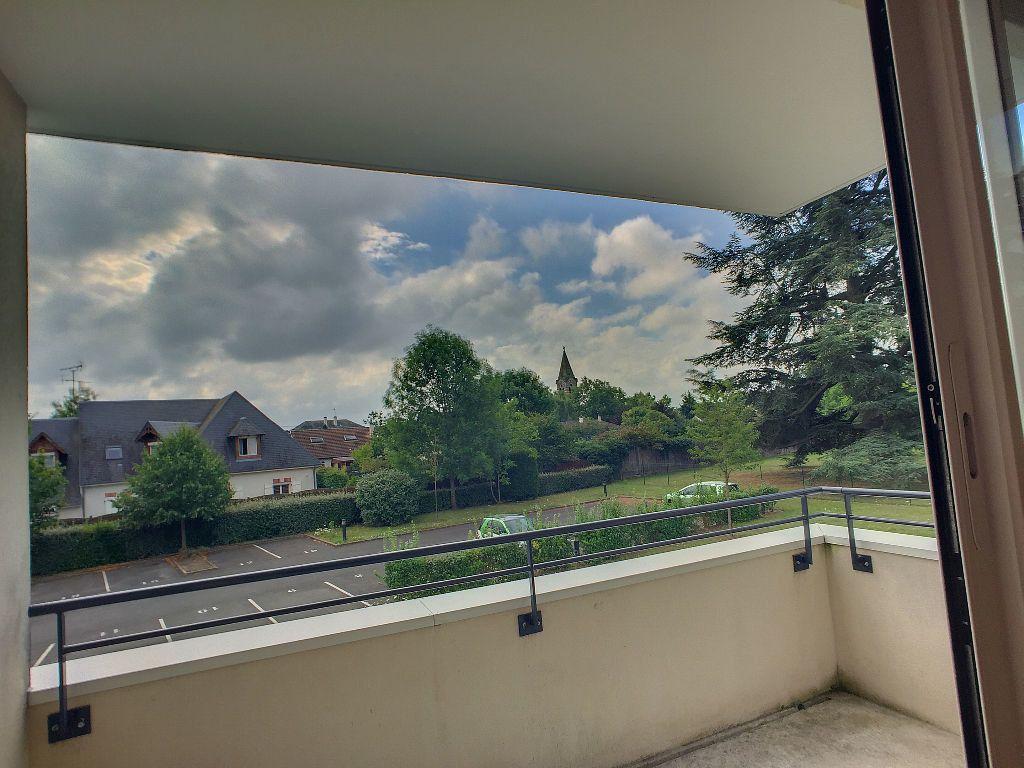 Appartement à louer 2 48.68m2 à Saint-Jean-de-la-Ruelle vignette-4