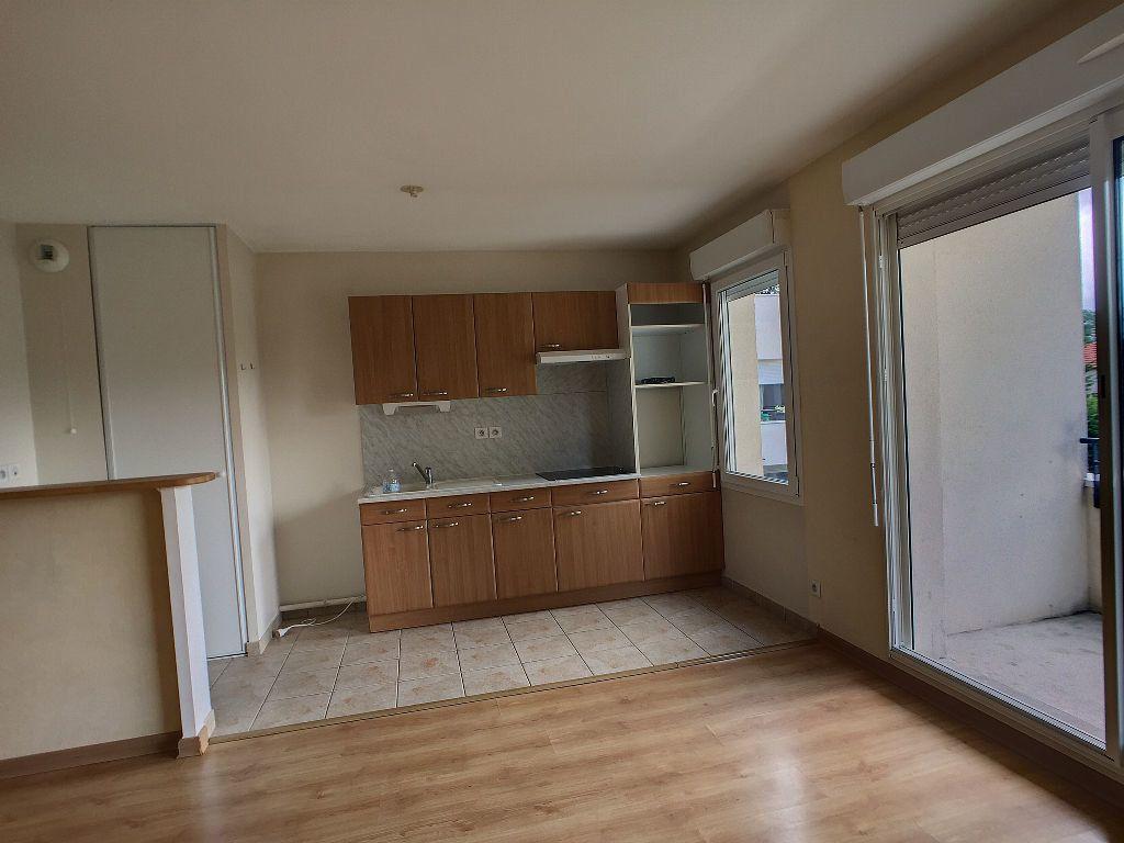Appartement à louer 2 48.68m2 à Saint-Jean-de-la-Ruelle vignette-5