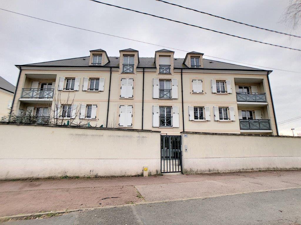 Appartement à louer 3 63.98m2 à Étampes vignette-8