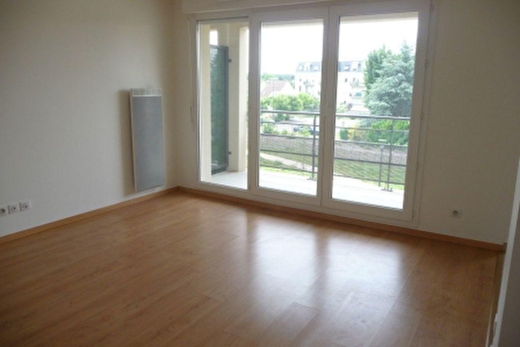 Appartement à louer 2 49.75m2 à Orléans vignette-2