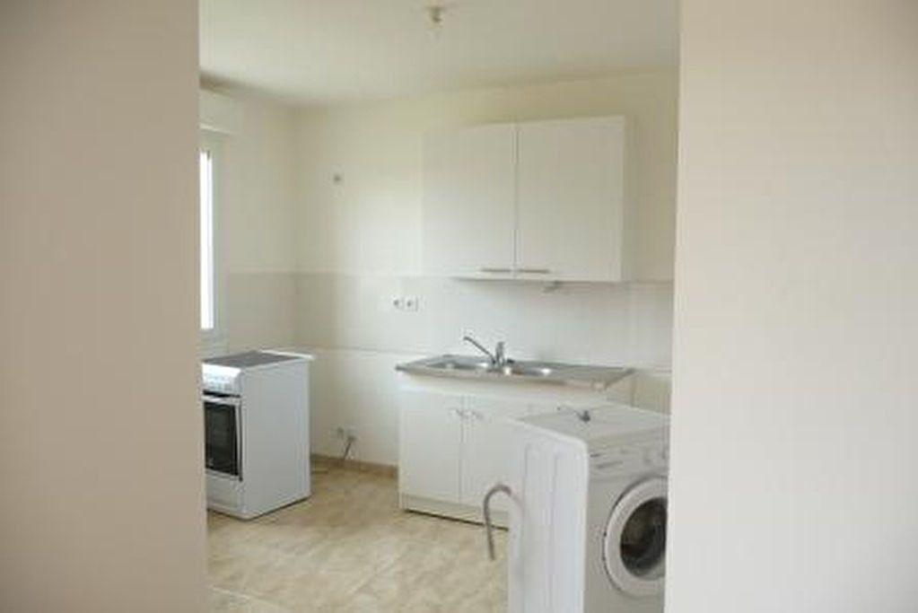 Appartement à louer 2 49.75m2 à Orléans vignette-5