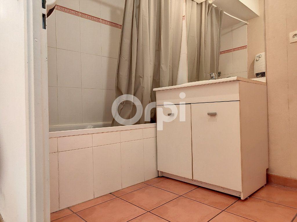 Appartement à louer 3 64.1m2 à Orléans vignette-8
