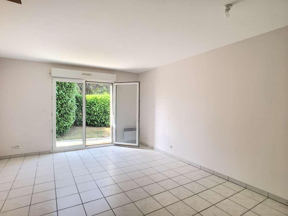 Appartement à louer 3 65.34m2 à Orléans vignette-5