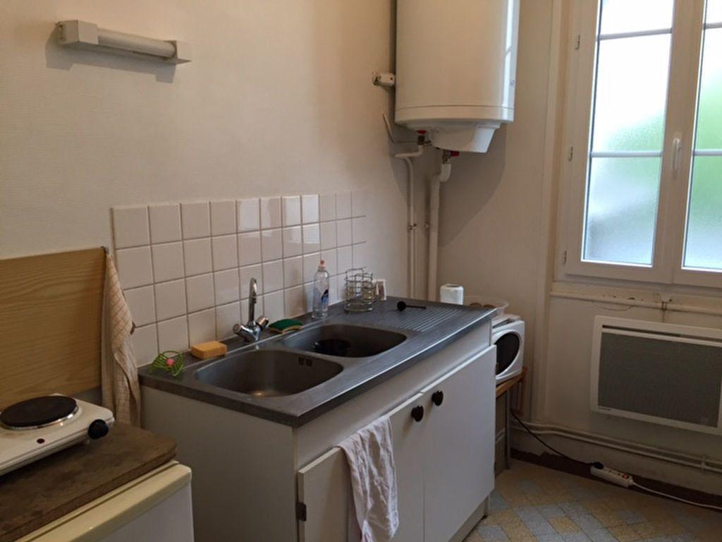 Appartement à louer 1 24.75m2 à Orléans vignette-2