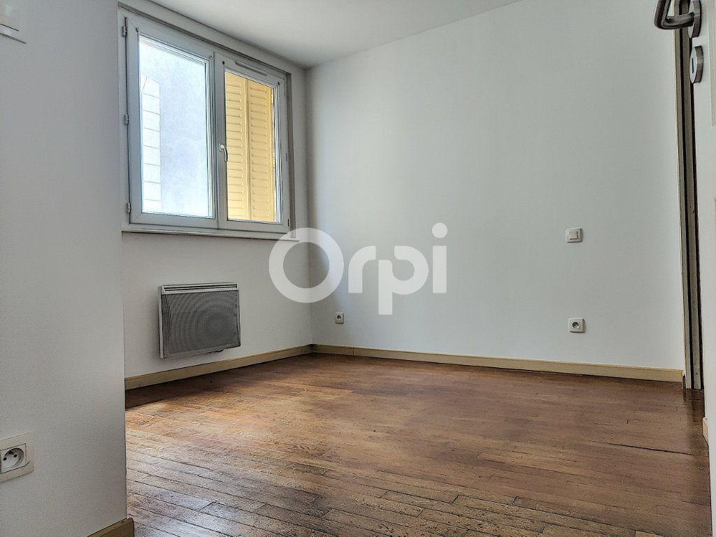 Appartement à louer 2 42.4m2 à Orléans vignette-3