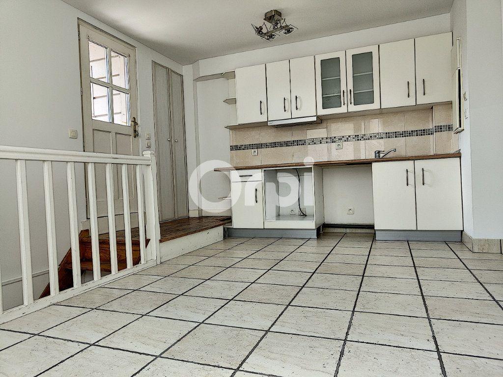 Appartement à louer 2 42.4m2 à Orléans vignette-5