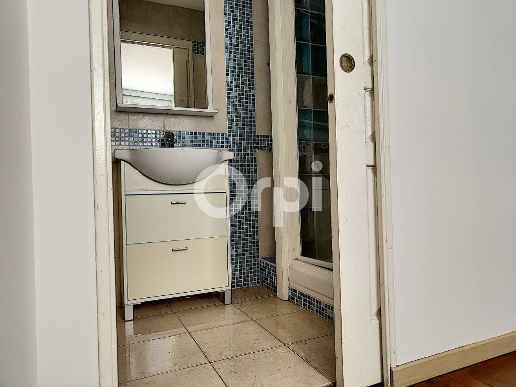 Appartement à louer 2 42.4m2 à Orléans vignette-9