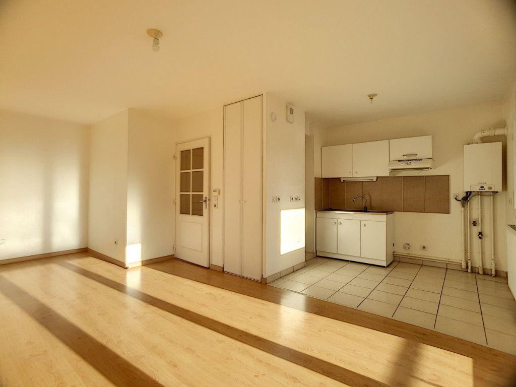 Appartement à louer 2 49.02m2 à Orléans vignette-1