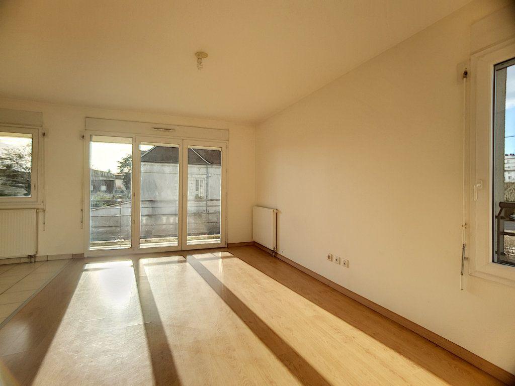 Appartement à louer 2 49.02m2 à Orléans vignette-3
