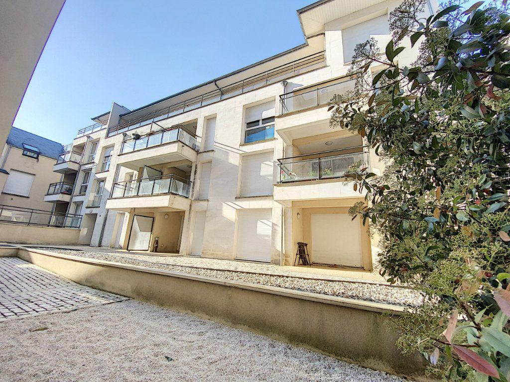 Appartement à louer 2 43.4m2 à Orléans vignette-1