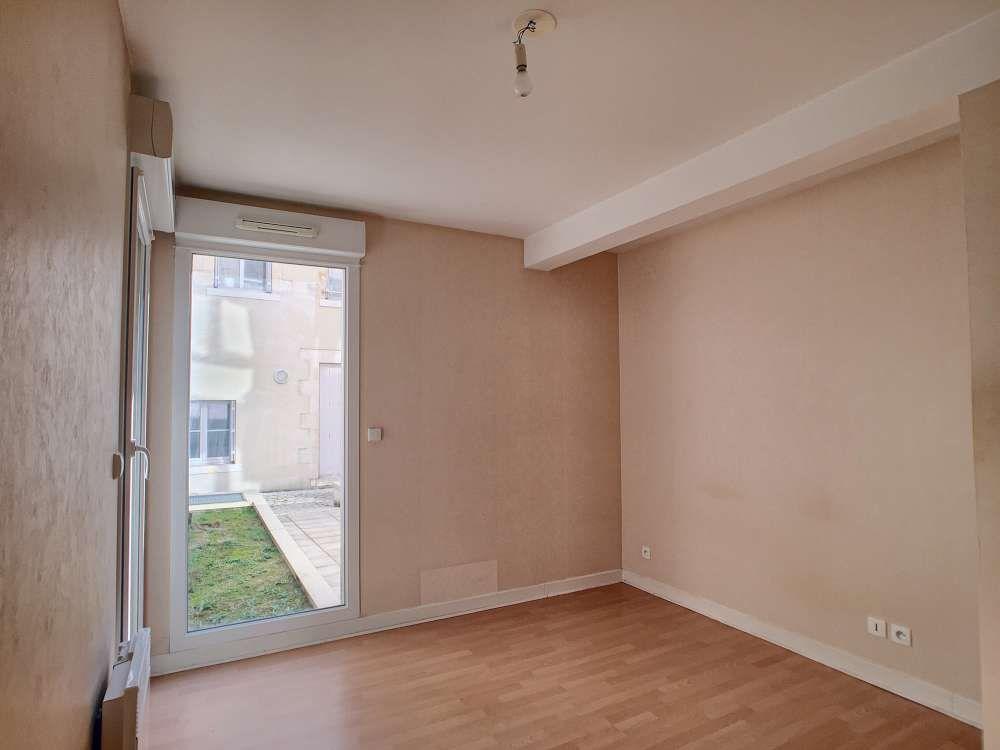 Appartement à louer 2 43.4m2 à Orléans vignette-4