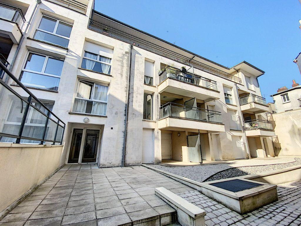 Appartement à louer 2 43.4m2 à Orléans vignette-9