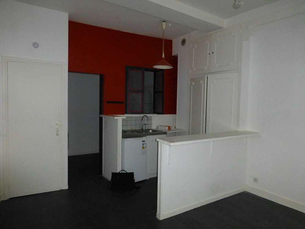 Appartement à louer 1 30.8m2 à Orléans vignette-2