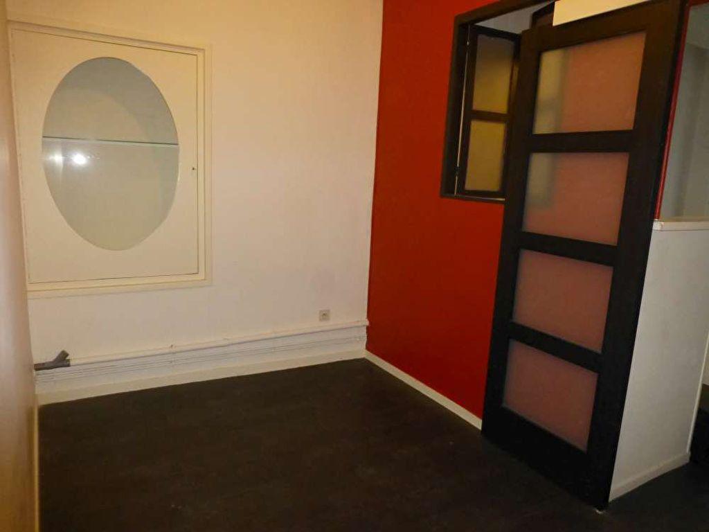 Appartement à louer 1 30.8m2 à Orléans vignette-3