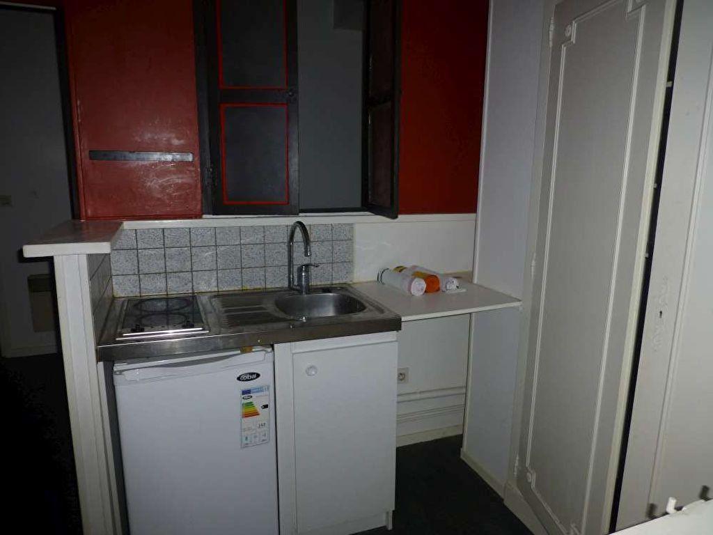 Appartement à louer 1 30.8m2 à Orléans vignette-4