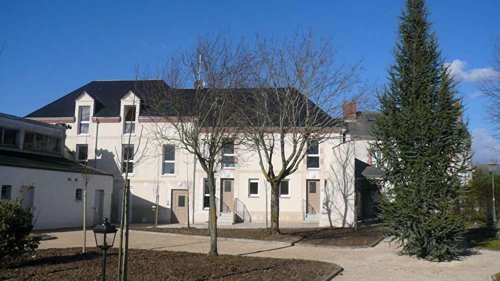 Appartement à louer 3 53.3m2 à Saint-Denis-en-Val vignette-4